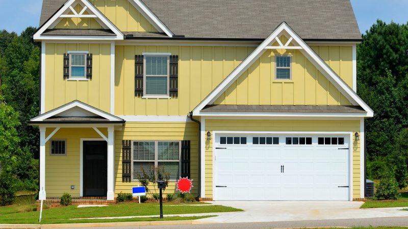 Jaką bramę garażową kupić?